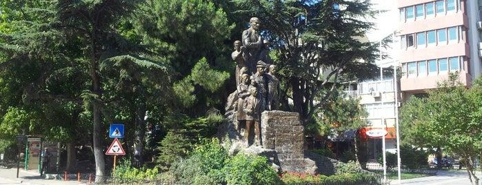 Orhangazi Meydanı is one of Locais curtidos por k&k.