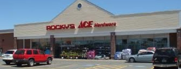 Rocky's Ace Hardware is one of Eric 님이 좋아한 장소.