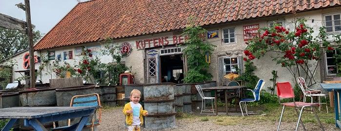 Kutens Bensin is one of Posti che sono piaciuti a 4sq SUs Sweden.