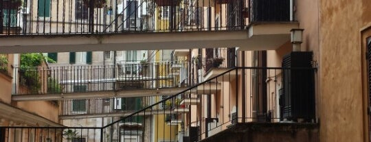 Hotel Bolognese is one of Lieux qui ont plu à Oleksandr.