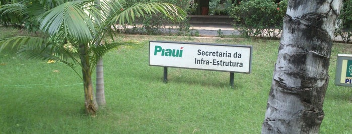 SEINFRA - Secretaria de Infraestrutura do Piauí is one of Locais curtidos por Edgar.