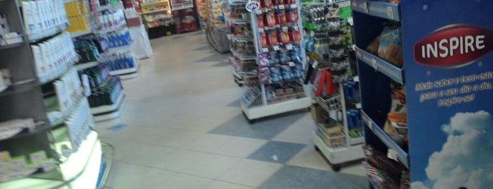 Hirota Supermercados is one of Locais curtidos por Felipe.