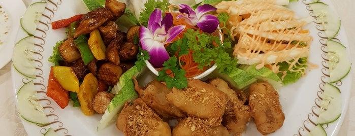 Greenland Vegetarian Restaurant is one of MAC 님이 좋아한 장소.