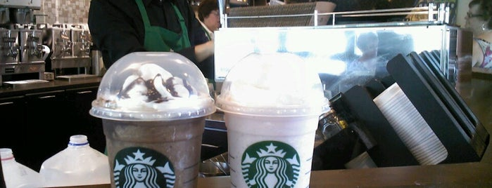 Starbucks is one of Locais curtidos por Stephen.