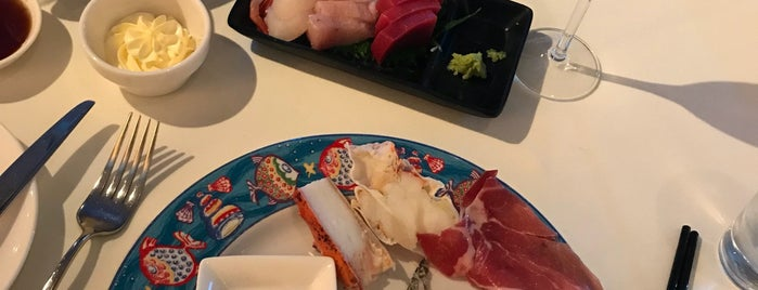 Oyster & Wine Bar 蠔酒吧 is one of Katrinaさんの保存済みスポット.