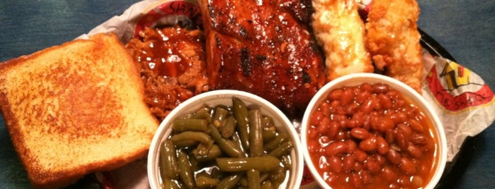 Shane's Rib Shack is one of Nicholasさんのお気に入りスポット.
