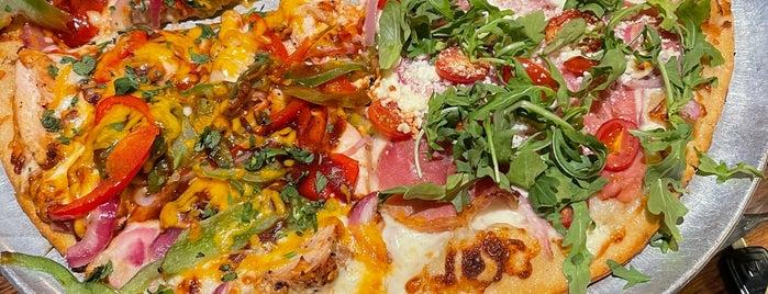 Pi Pizzeria is one of Tempat yang Disukai Saeed.