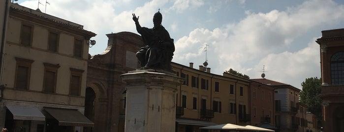 Piazza Cavour is one of Locais curtidos por Julia.