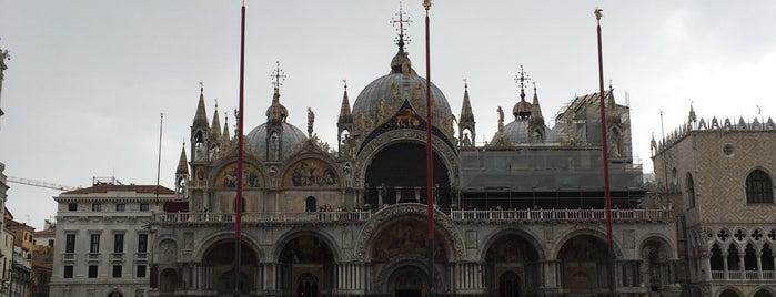 Basilica di San Marco is one of Locais curtidos por Julia.