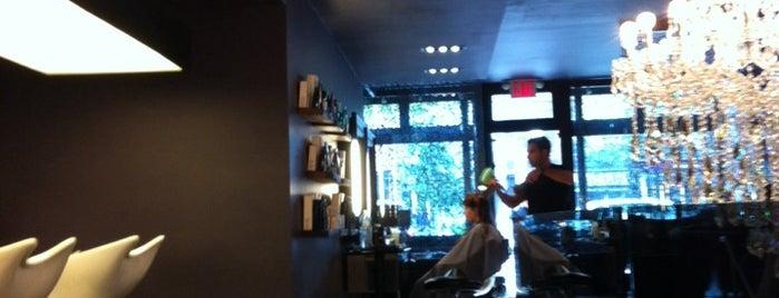 Chris Chase Salon is one of สถานที่ที่ M ถูกใจ.