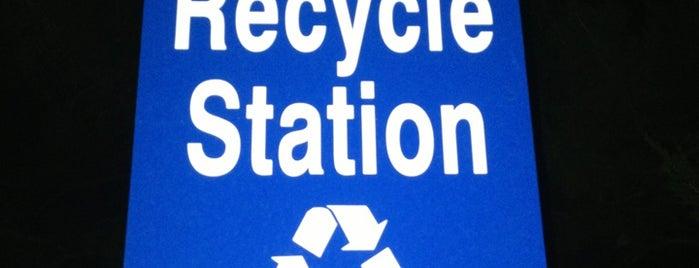 TTU - Recycling Center is one of Gillian 님이 좋아한 장소.