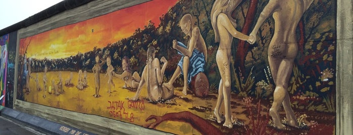 East Side Gallery is one of +381642216944#.