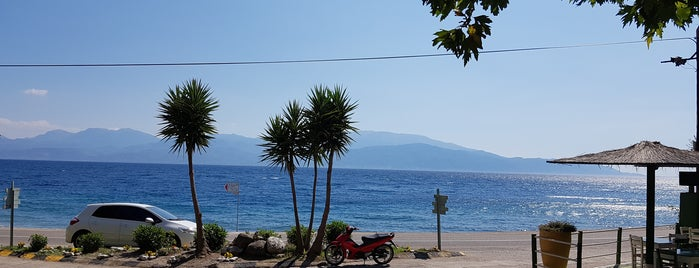 Sergoula Beach is one of Orte, die Ifigenia gefallen.