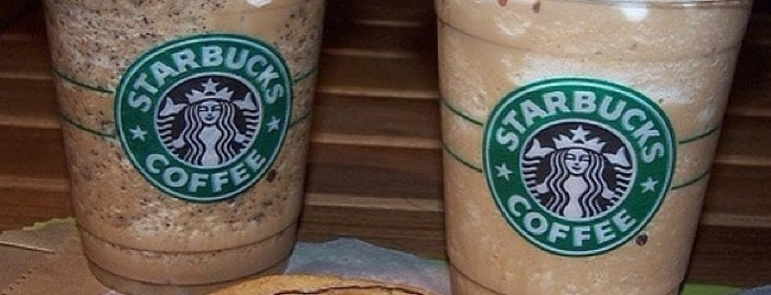 Starbucks is one of Orte, die Ekrem gefallen.