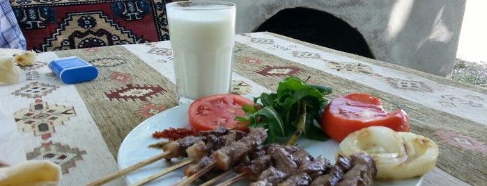 Bizim Bahçe Restaurant is one of Emel'in Kaydettiği Mekanlar.