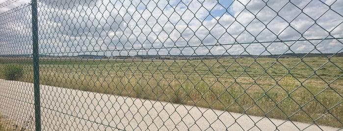 Aeropuerto de Burgos (RGS) is one of JRAさんの保存済みスポット.