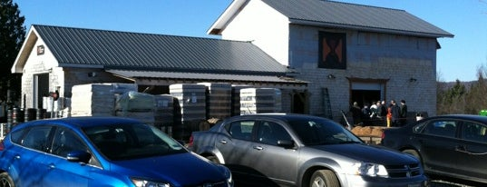 Hill Farmstead Brewery is one of Lugares favoritos de Scott.
