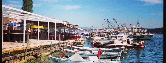 Cunda Marina is one of Lugares favoritos de Yılmaz.