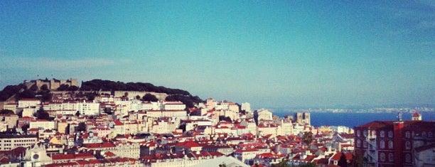 Miradouro de São Pedro de Alcântara is one of 101 coisas para fazer em Lisboa antes de morrer.