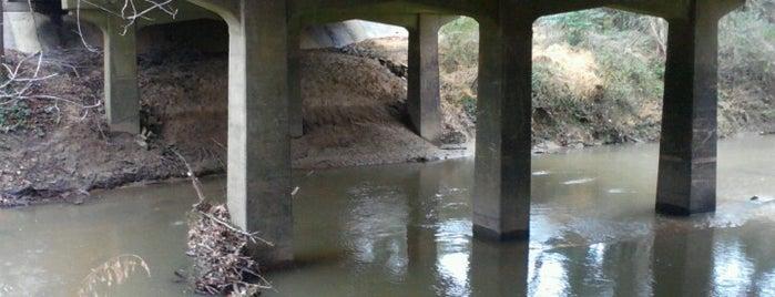 Anderson Drive bridge over Crabtree Creek is one of Gordon'un Beğendiği Mekanlar.