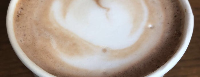 Starbucks is one of Orte, die Nadia gefallen.