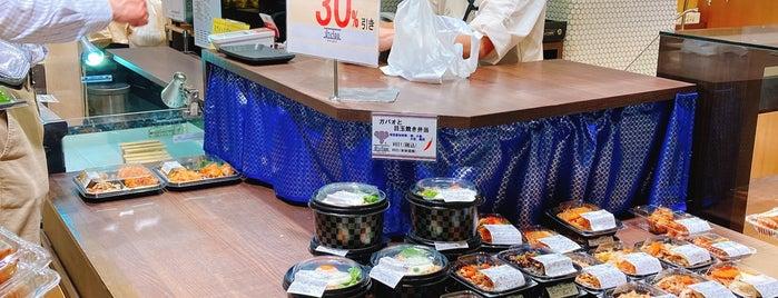 チャンロイ エキマルシェ大阪店 is one of Posti che sono piaciuti a 高井.