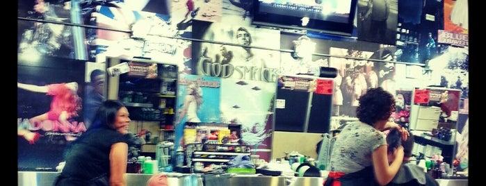 Floyd's 99 Barbershop is one of Orte, die Andy gefallen.