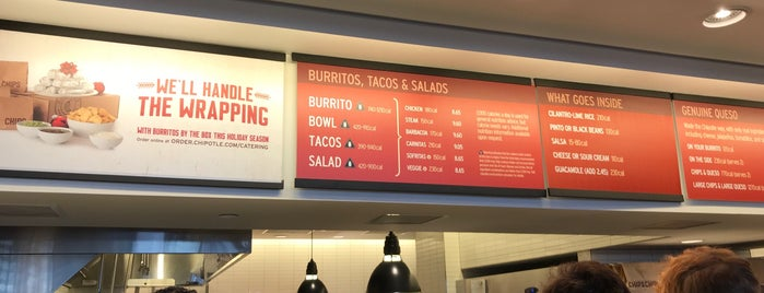 Chipotle Mexican Grill is one of Lieux qui ont plu à Dew.
