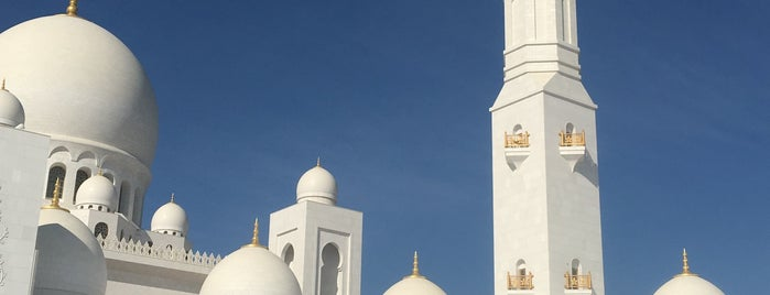 Sheikh Zayed Grand Mosque is one of Locais curtidos por Emilio.