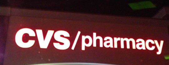 CVS pharmacy is one of Lieux qui ont plu à Angela.