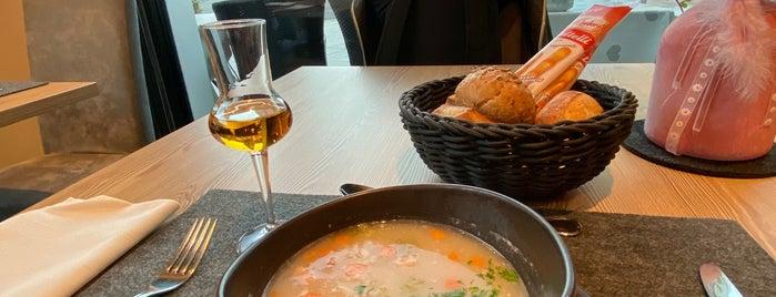 Ristorante Pizzeria Cascade is one of Tempat yang Disimpan Petr.