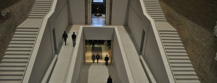 Neues Museum is one of History in Berlin.
