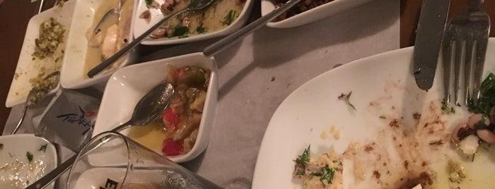 sıdıka meze restaurant is one of Lugares favoritos de Evren.