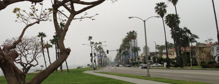 City of Long Beach is one of Ricardo 님이 좋아한 장소.