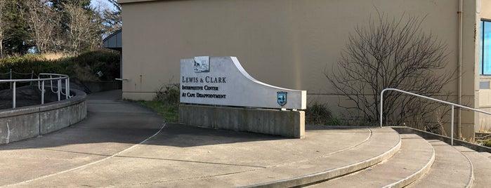 Lewis and Clark Interpretive Center is one of Orte, die Daniel gefallen.