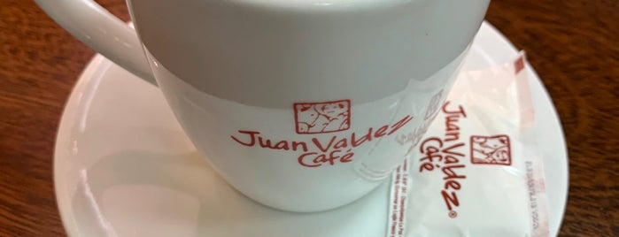 Juan Valdez Café is one of Paolaさんのお気に入りスポット.