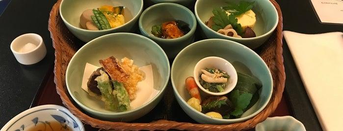 魚三楼 is one of Locais salvos de Cynthia.