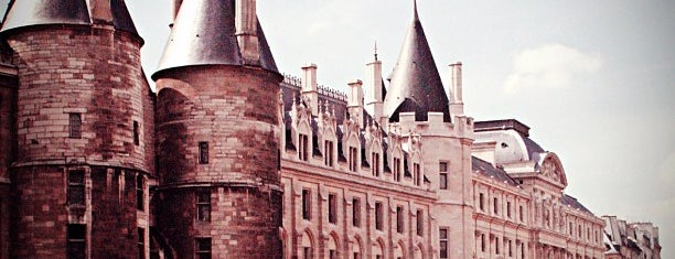 La Conciergerie is one of 「带一本书去巴黎」.