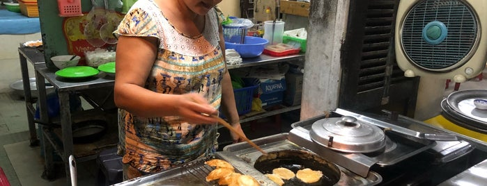 Bánh Khot is one of vietnam.