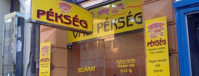 Vali Pekseg is one of Pékség teszt.