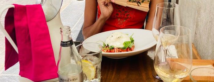 La Vinoteca is one of Arriba Arriba-Endülüs Gourmet Edition.