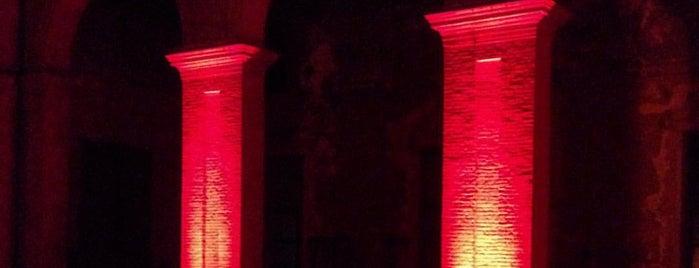 Teatro degli Atti is one of Amarcort Film Festivalさんの保存済みスポット.