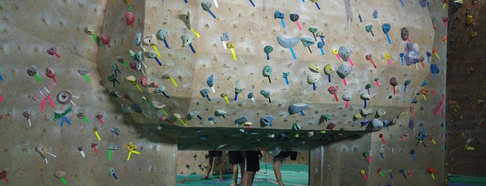 X-treme Rock Climbing is one of Orte, die Ingrid gefallen.