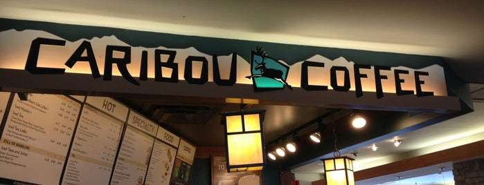 Caribou Coffee is one of Lugares favoritos de John.