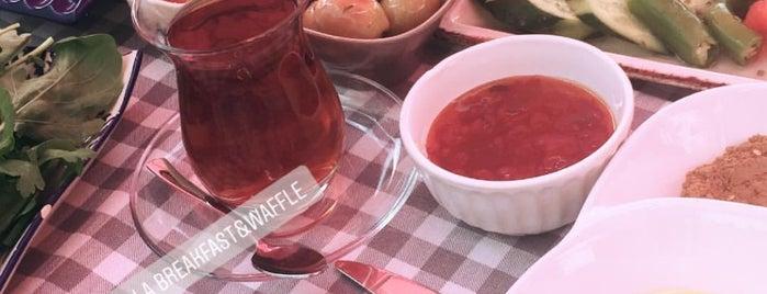 Vanilla Breakfast & Waffle is one of 📍#2 izmir | GASTRONAUT'S GUIDE.