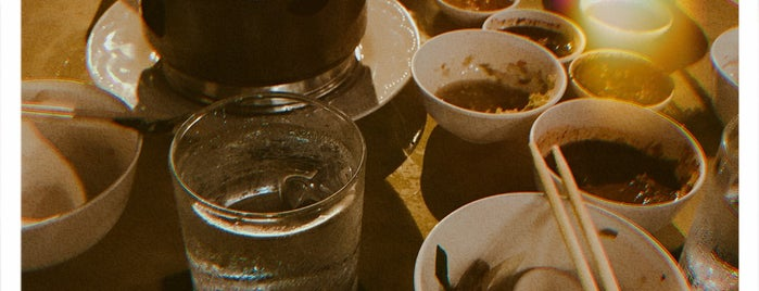 Kafe 1985 is one of Tempat yang Disukai phuwa'.