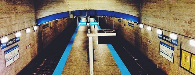 CTA - Logan Square is one of Andreさんのお気に入りスポット.