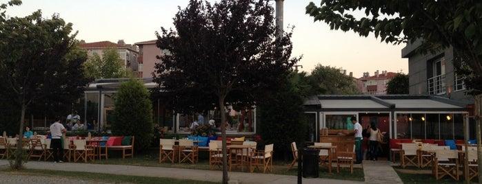 Love Garden is one of farukgüllüoğlu.