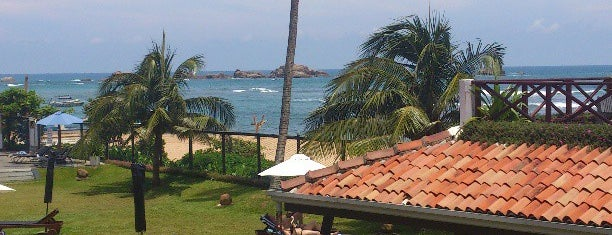Coral Sands Hotel is one of สถานที่ที่ Miguel ถูกใจ.