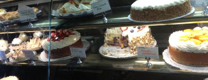 Metropol Bakery is one of สถานที่ที่ Cale ถูกใจ.